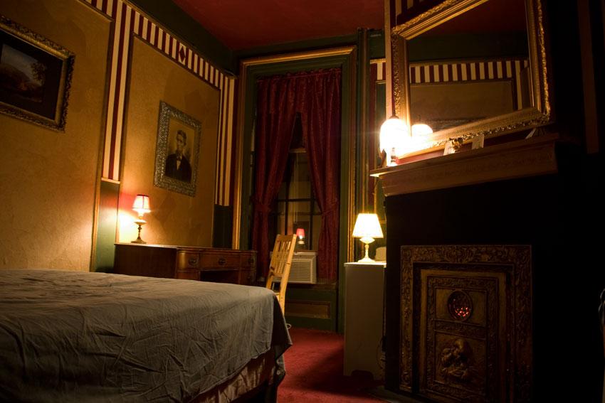 carlton-arms-hotel-room-1A-hotel-crew-mural-thais-charbonnet