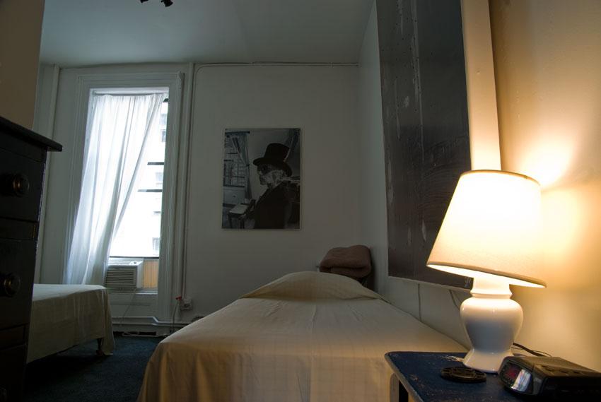 carlton-arms-hotel-room-3A-artbreak-hotel-gallery